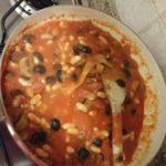 aggiungiamo pomodoro olive e fagioli