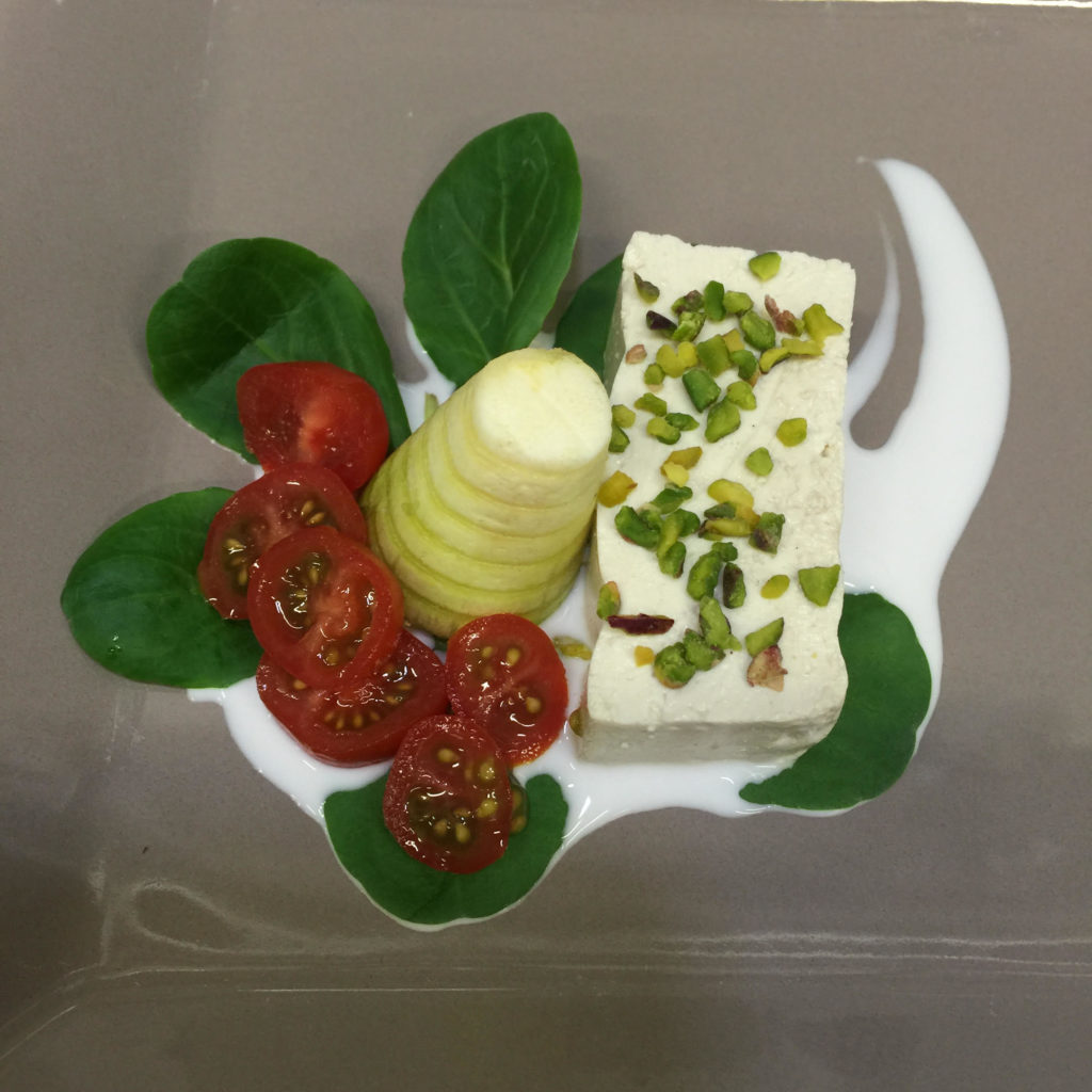 Formaggio pistacchio cocco pomodorini