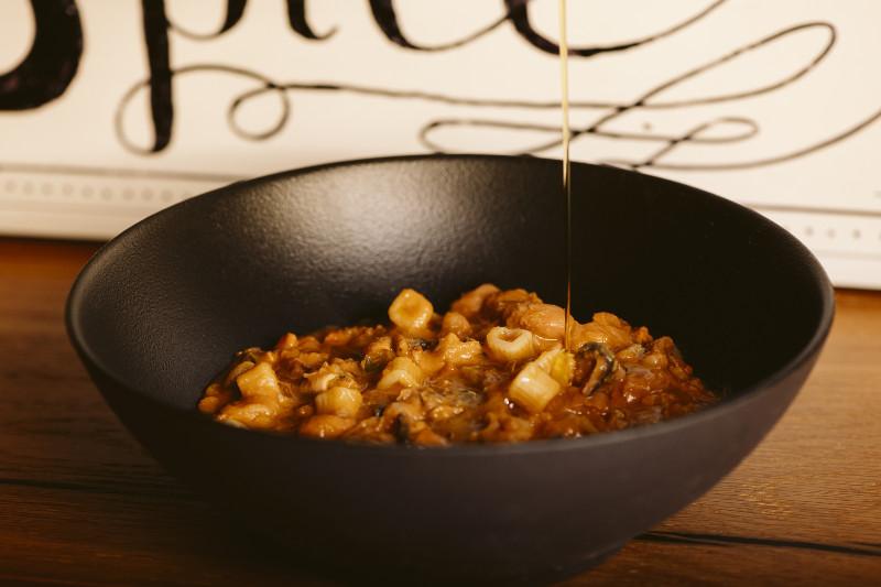 Piatti pronti, pasta fagioli e cozze rigenerata a caldo